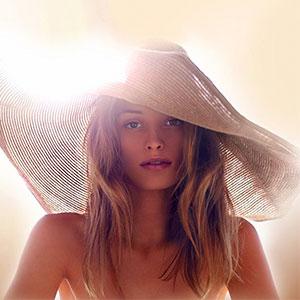 clarins sun model