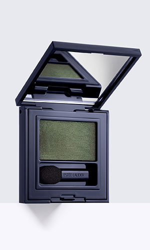 estee lauder envy eyeshadow in Emerald Envy