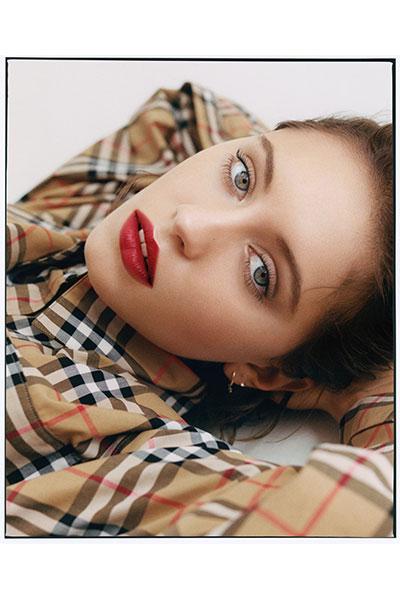 iris law burberry lip velvet crush