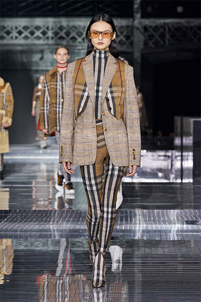 burberry catwalk fashion look